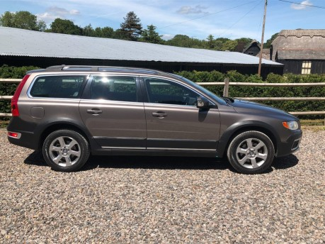Volvo XC70 2.4 D5 SE Lux Geartronic AWD 5dr 2