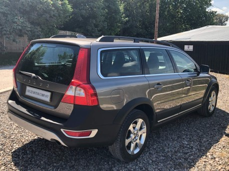 Volvo XC70 2.4 D5 SE Lux Geartronic AWD 5dr 6