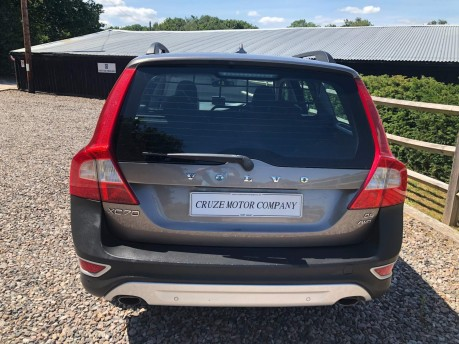 Volvo XC70 2.4 D5 SE Lux Geartronic AWD 5dr 7