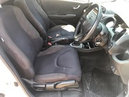 Honda Jazz I-VTEC ES PLUS 9
