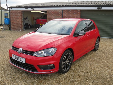Volkswagen Golf R-LINE TDI BLUEMOTION TECHNOLOGY