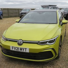 Volkswagen Golf R-LINE TDI DSG AUTO 3