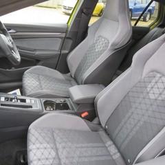 Volkswagen Golf R-LINE TDI DSG AUTO 2