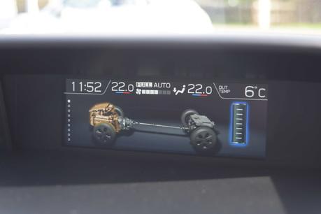 Subaru XV E-BOXER SE PREMIUM 23