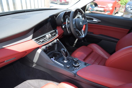 Alfa Romeo Giulia TB VELOCE 10