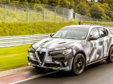 King of the Ring: Alfa Romeo Stelvio breaks SUV lap record!