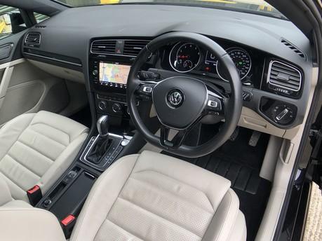 Volkswagen Golf GT TSI EVO DSG 10