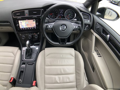 Volkswagen Golf GT TSI EVO DSG 13
