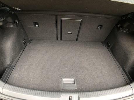 Volkswagen Golf GT TSI EVO DSG 38