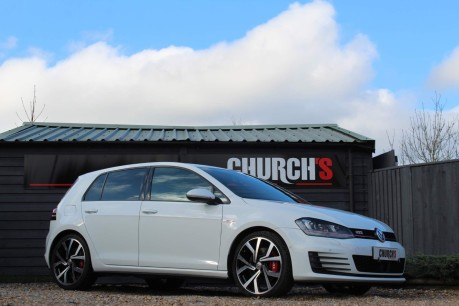 Volkswagen Golf GTI PERFORMANCE DSG 6