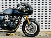 Triumph Thruxton 1200 1200 TFC (Carbon Fibre Black) 24