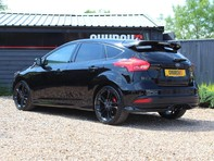 Ford Focus ST-3 10
