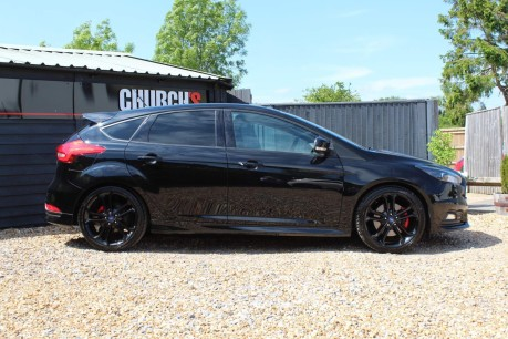 Ford Focus ST-3 14