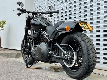 Harley-Davidson Dyna SOFTAIL FAT BOB 114 18
