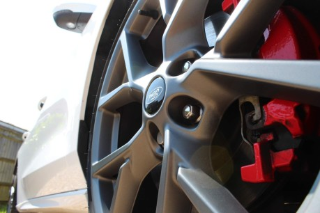 Ford Focus ST 5