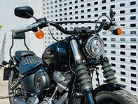 Harley-Davidson Softail SOFTAIL STREET BOB 19 16