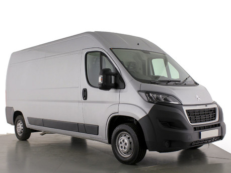 Peugeot Boxer 2.2 BlueHDi L3H2 Professional Van 140ps