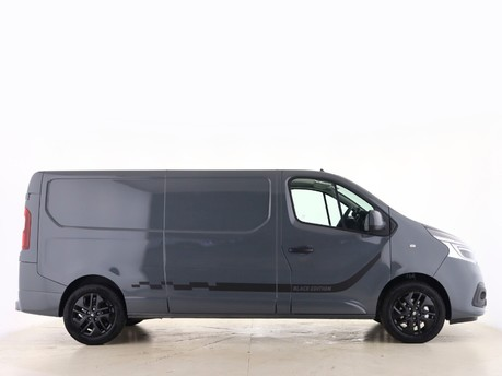 Renault Trafic LL30 ENERGY dCi 170 Black Edition Van EDC 5