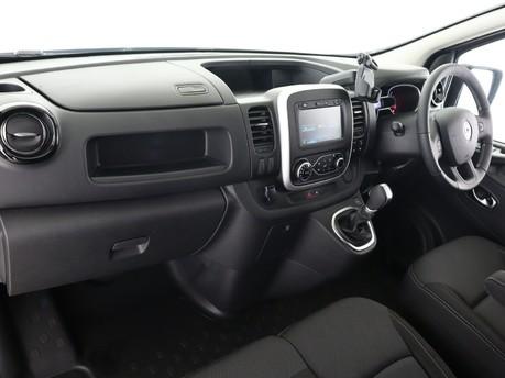 Renault Trafic LL30 ENERGY dCi 170 Black Edition Van EDC 10