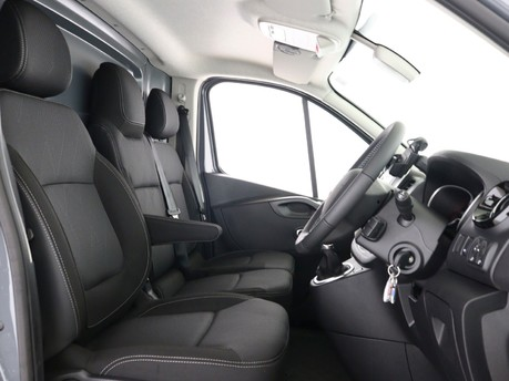 Renault Trafic LL30 ENERGY dCi 170 Black Edition Van EDC 13