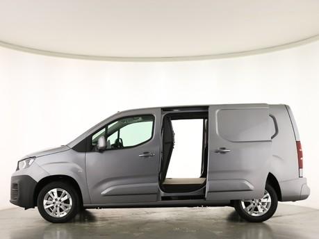 Peugeot Partner Long 950 1.5 BlueHDi 130 Asphalt Van EAT8 4