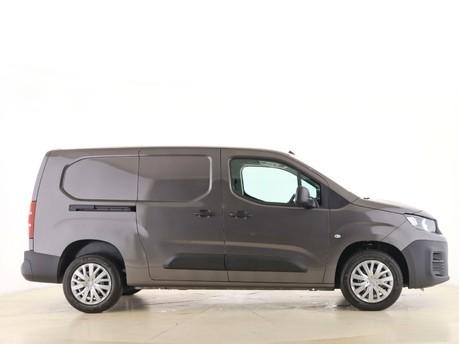 Peugeot Partner Long 950 1.5 BlueHDi 100 Professional Van 12