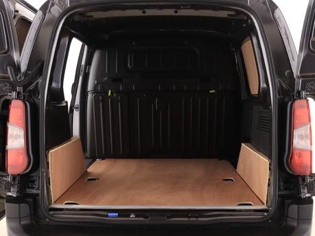 Peugeot Partner Standard 650 1.5 BlueHDi 75 Professional Van 9
