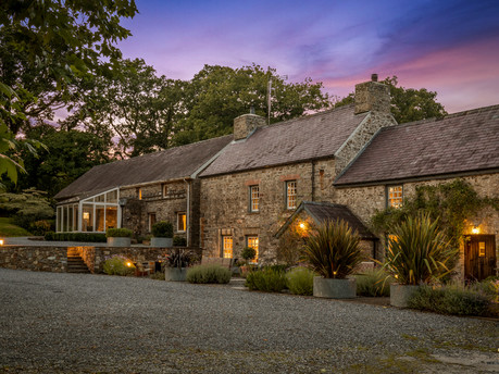 Rural charm with 21st century style