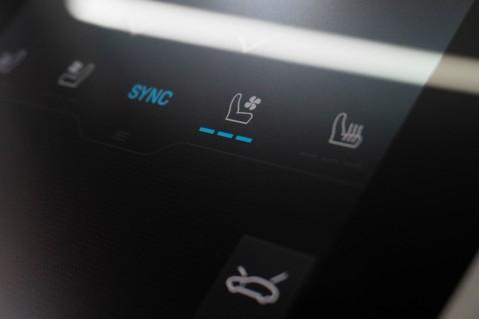 Porsche Taycan Turbo, Sport Chrono Passenger Display Screen 22