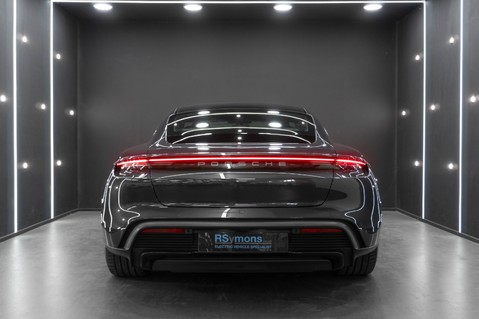 Porsche Taycan Turbo, Sport Chrono Passenger Display Screen 8