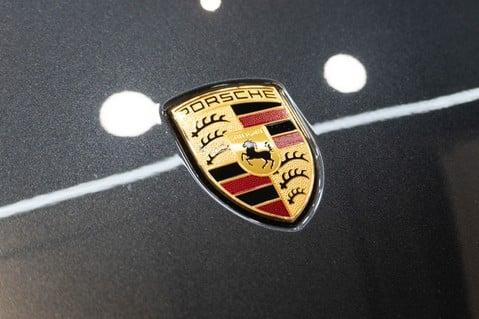Porsche Taycan Turbo, Sport Chrono Passenger Display Screen 38