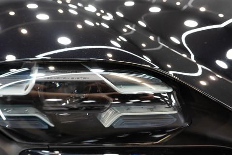 Porsche Taycan TURBO S Passenger Display Burmester 3D Sound 45