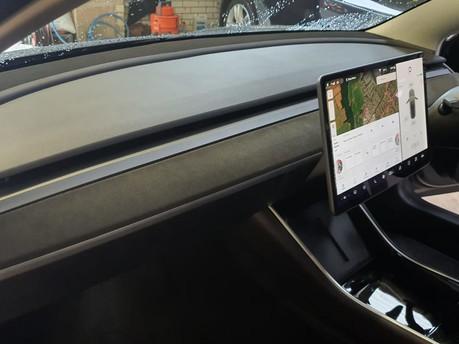 Model 3 Alcantara Dashboard