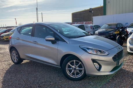 Ford Fiesta ZETEC SAT NAV AND APPLE PLAY