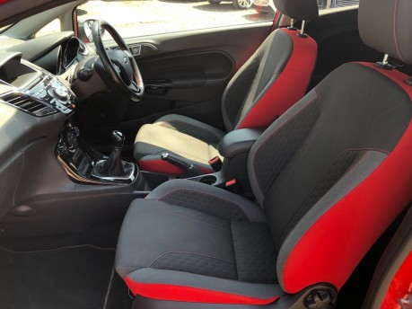 Ford Fiesta 1.0 EcoBoost Zetec S Red Edition (s/s) 3dr 15