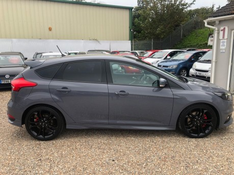 Ford Focus ST-3 TDCI WITH LEATHER AND SAT NAV 3