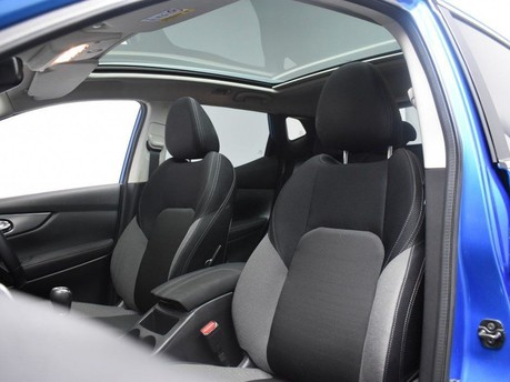 Nissan Qashqai *PANORAMIC ROOF* ***PANORAMIC ROOF SAT NAV*** 12