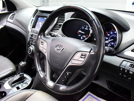 Hyundai Santa Fe 2.2 CRDI PREMIUM SE BLUE DRIVE 5d 197 BHP 2