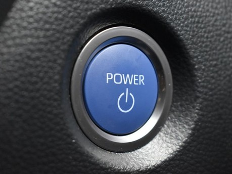 Toyota Corolla 2.0 VVT-I DESIGN 5d 177 BHP Driver Assist - Satnav - DAB Radio 16