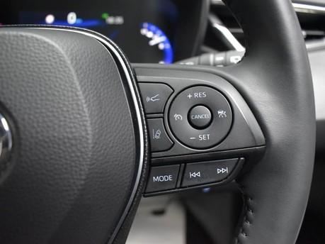 Toyota Corolla 2.0 VVT-I DESIGN 5d 177 BHP Driver Assist - Satnav - DAB Radio 18