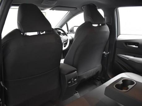 Toyota Corolla 2.0 VVT-I DESIGN 5d 177 BHP Driver Assist - Satnav - DAB Radio 25