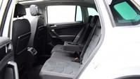 Volkswagen Tiguan *PANORAMIC ROOF*VIRTUAL COCKPIT* 2.0 SEL TDI 4MOTION DSG 5d 188 BHP *PANORA 11