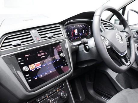 Volkswagen Tiguan *PANORAMIC ROOF*VIRTUAL COCKPIT* 2.0 SEL TDI 4MOTION DSG 5d 188 BHP *PANORA 12