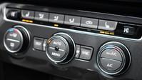 Volkswagen Tiguan *PANORAMIC ROOF*VIRTUAL COCKPIT* 2.0 SEL TDI 4MOTION DSG 5d 188 BHP *PANORA 16