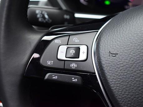 Volkswagen Tiguan *PANORAMIC ROOF*VIRTUAL COCKPIT* 2.0 SEL TDI 4MOTION DSG 5d 188 BHP *PANORA 19