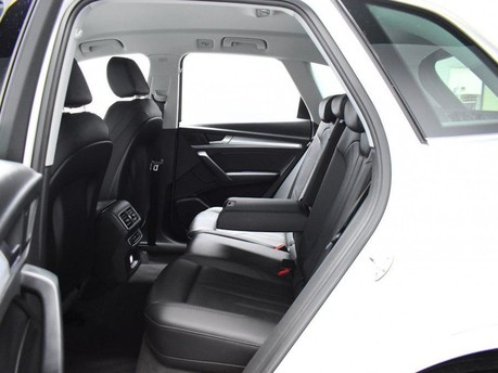 Audi Q5 2.0 TDI QUATTRO SPORT 5d 188 BHP Satnav - DAB Radio - Bluetooth 12