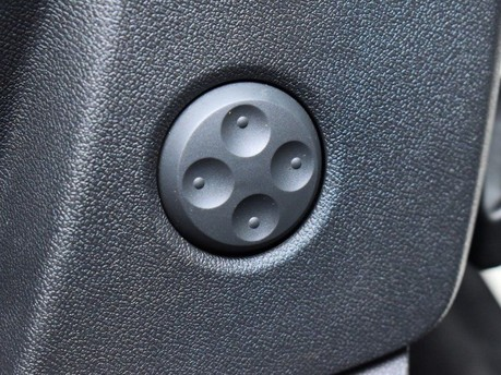 Audi Q5 2.0 TDI QUATTRO SPORT 5d 188 BHP Satnav - DAB Radio - Bluetooth 23