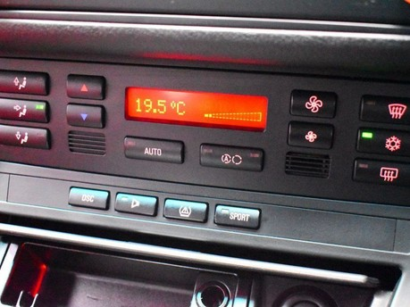 BMW M3 3.2 M3 SMG 2d 338 BHP SILVER RED LEATHER INTERIOR SHIFT PADDLES/IN CAR TV-2 14