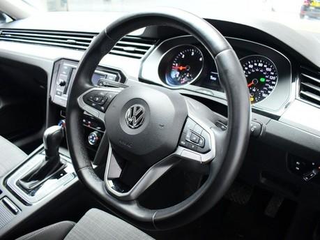 Volkswagen Passat 1.6 SE TDI DSG 4d 119 BHP ADAPTIVE CC - BLUETOOTH - USB 2