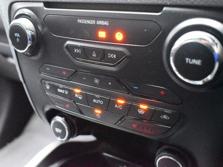 Ford Ranger 3.2 WILDTRAK 4X4 DCB TDCI 4d 197 BHP *** CD - BLUETOOTH - USB - DAB *** 14